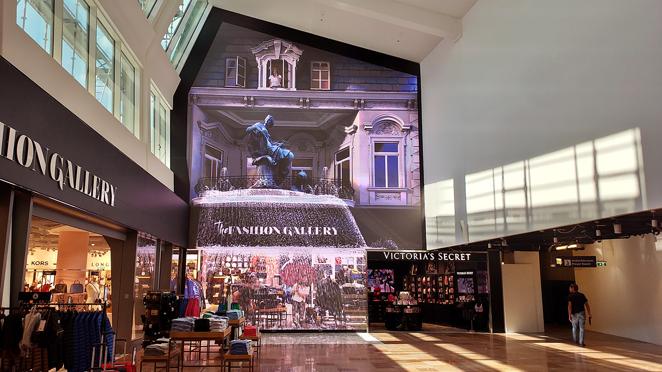 'The Fashion Gallery' – 105m2! LED video wall – Vienna International Airport 3D Mapping Factory